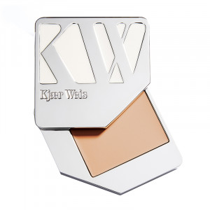 Cream Foundation Weightless Compact